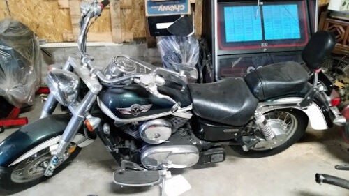 2004 Kawasaki Vulcan 1500 Classic green /white for sale