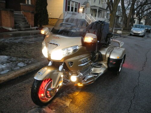 2006 Honda Gold Wing Gold for sale craigslist