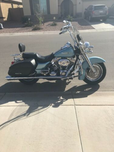 2007 Harley-Davidson Touring starlight silver blue for sale