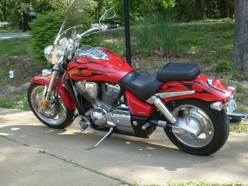 2007 Honda VTX Red/Black Flame for sale