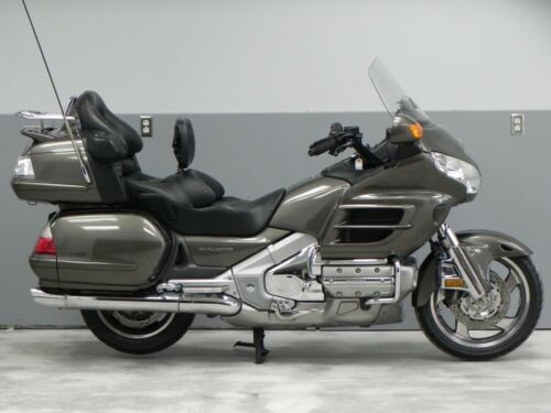 2009 Honda Gold Wing Silver for sale