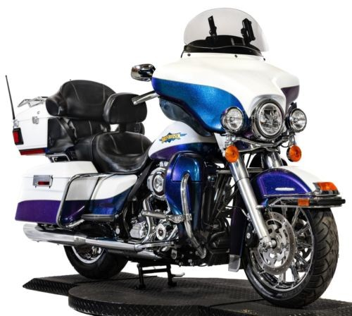 2010 Harley-Davidson Touring White Ice Pearl/Black Ice Pearl for sale craigslist