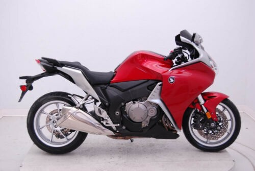 2010 Honda VFR1200F 2010 VFR1200F, low miles Red for sale
