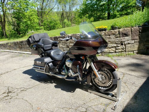 2011 Harley-Davidson Touring Merlot Sunglo for sale