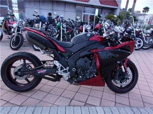 2011 Yamaha YZF-R -- Red for sale