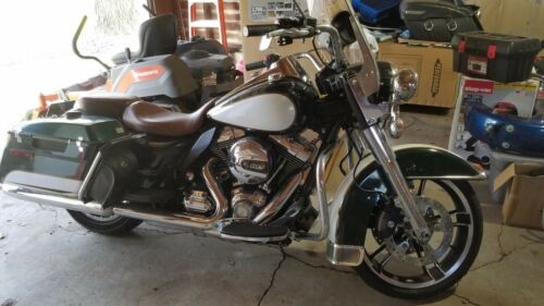 2012 Harley-Davidson Touring Metallic emerald green with white trim for sale