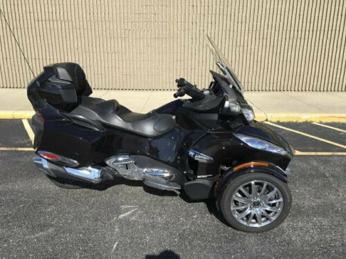 2013 Can-Am SPYDER RT-S SE5 SEMI AUTOMATIC WITH REVERSE SPYDER RT-S SE5 Black for sale
