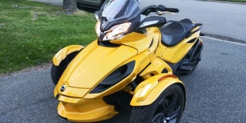 2013 Can-Am Spyder Yellow for sale