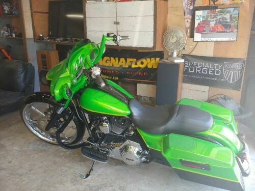 2013 Harley-Davidson Touring House of colors candy lime gold with gold stripe ans blk for sale