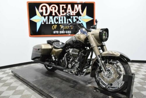 2014 Harley-Davidson FLHRSE6 - Screamin Eagle Road King CVO -- Black for sale craigslist