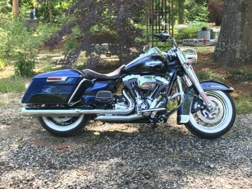 2014 Harley-Davidson Touring Blue and black for sale