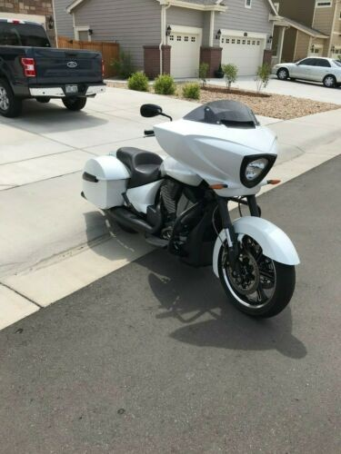2014 Victory Cross Country White craigslist