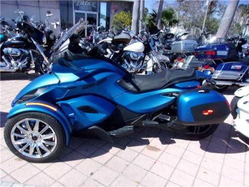 2015 Can-Am SPYDER -- Blue for sale