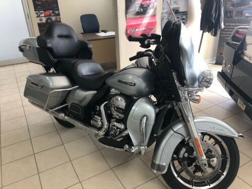 2015 Harley-Davidson Touring Silver for sale