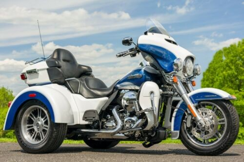 2015 Harley-Davidson Touring Two-tone White Hot Pearl / Blue Hot Pearl for sale