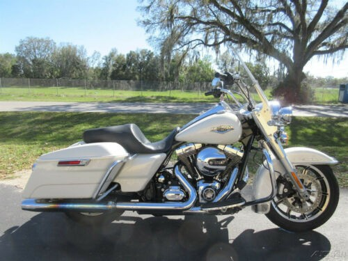 2015 Harley-Davidson Touring Road King White for sale craigslist