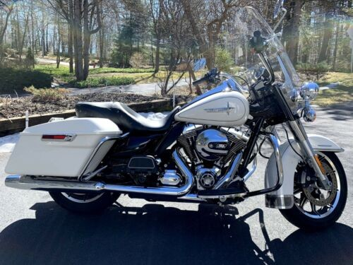 2015 Harley-Davidson Touring White for sale