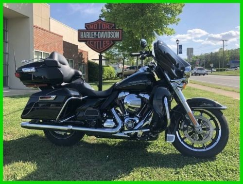 2016 Harley-Davidson Touring FLHTK - Ultra Limited Black with Pinstripe for sale