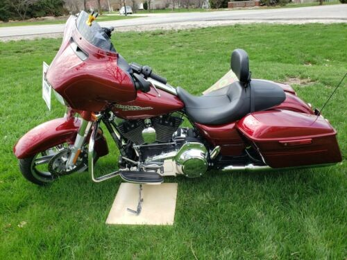2016 Harley-Davidson Touring Red for sale