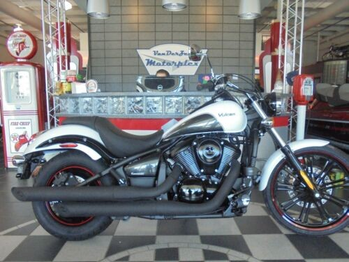 2016 Kawasaki Vulcan 900 CUSTOM -- White for sale