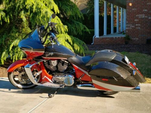 2016 Victory Magnum Metasheen black, silver and Havasu Red for sale