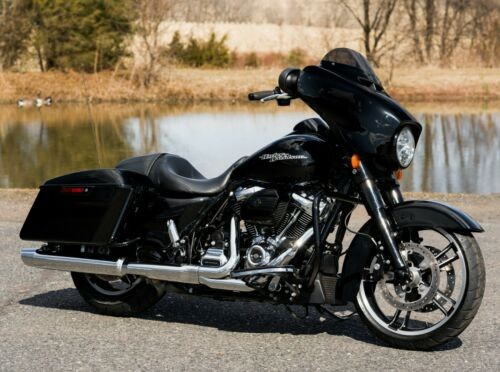 2017 Harley-Davidson Touring Vivid Black for sale craigslist