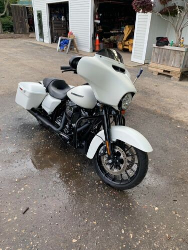 2018 Harley-Davidson Touring White for sale