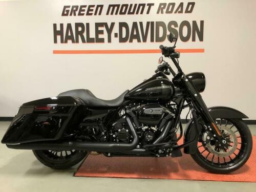 2019 Harley-Davidson Touring Vivid Black for sale