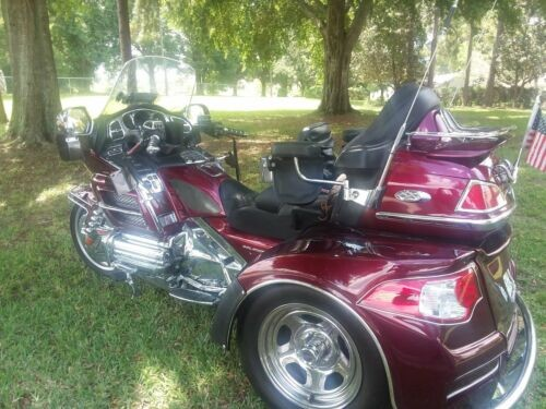 2005 Honda Gold Wing Chery red for sale craigslist