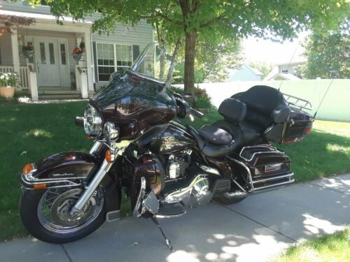 2006 Harley-Davidson Touring Burgundy for sale