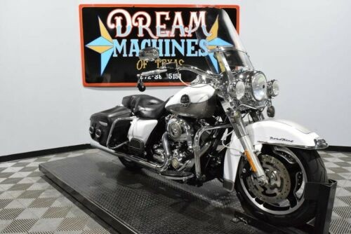 2009 Harley-Davidson FLHRC - Road King Classic -- White craigslist