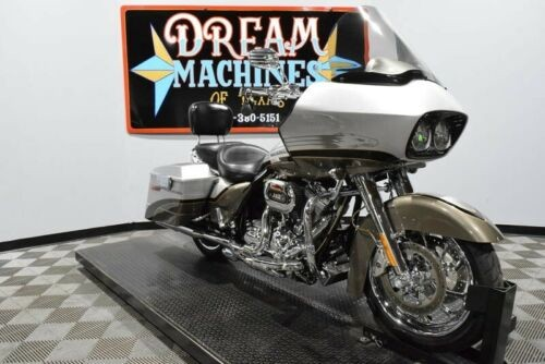 2009 Harley-Davidson FLTRSE3 - Screamin Eagle Road Glide CVO -- Silver for sale