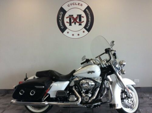 2012 Harley-Davidson FLHRC ROADKING CLASSIC -- White for sale
