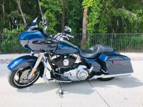 2013 Harley-Davidson Touring Big Blue Pearl w/ Pinstripes for sale