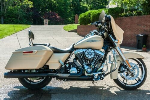 2014 Harley-Davidson Touring Sand Cammo Denim for sale