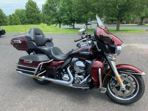 2015 Harley-Davidson Touring Mysterious Red Sunglo and Blackened Cayenne craigslist