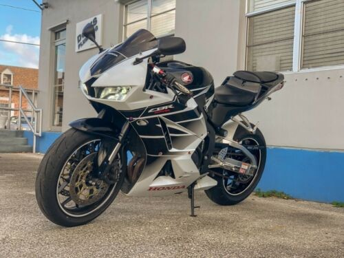2016 Honda CBR white/black for sale craigslist