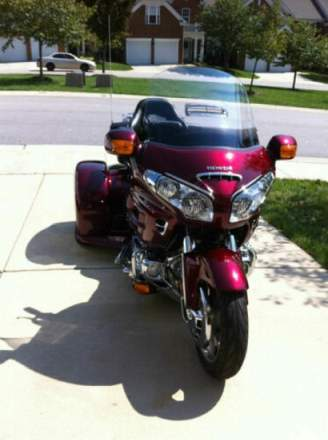 2009 Honda Gold Wing BLACK CHERRY METALLIC for sale