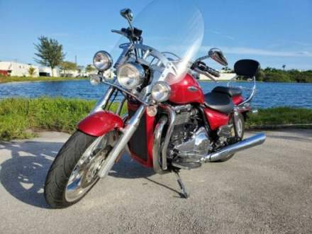 2010 Triumph Thunderbird Red for sale