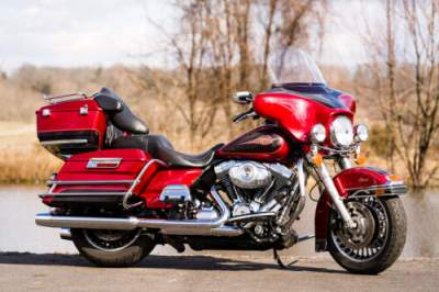 2013 Harley-Davidson Touring Ember Red Sunglo/Merlot Sunglo for sale