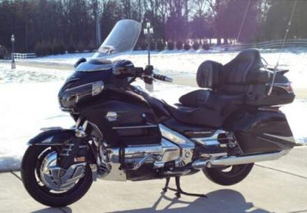 2014 Honda Gold Wing LOW MILES LOADED WITH ACCESSORIES Black for sale craigslist