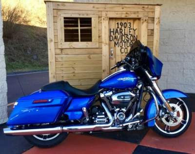 2018 Harley-Davidson Touring Electric Blue for sale