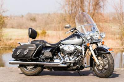 2012 Harley-Davidson Touring Midnight Pearl/Brilliant Silver Pearl for sale