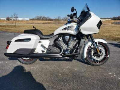 2020 Indian Challenger Dark Horse White Smoke White for sale