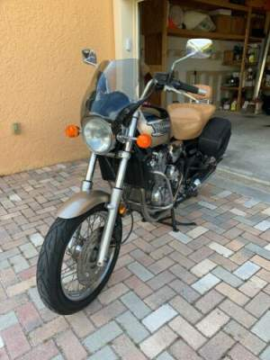 2000 Triumph Thunderbird 900 for sale