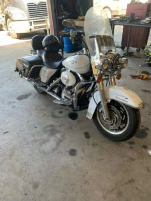 2004 Harley-Davidson FLHRCI - Road King Classic White for sale