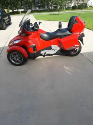 2011 Can-Am RT SM5 Red for sale craigslist photo