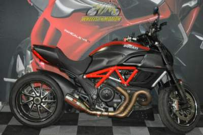 2011 Ducati Diavel Carbon Red for sale craigslist photo