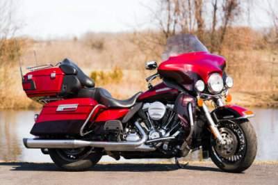 2012 Harley-Davidson Touring Ember Red Sunglo/Merlot Sunglo for sale