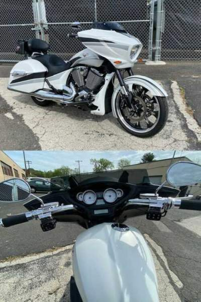 2016 Victory Magnum White for sale